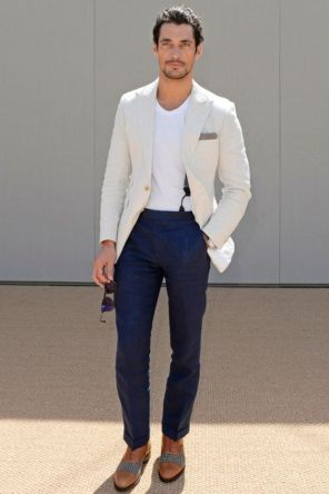 T-shirt with suit.